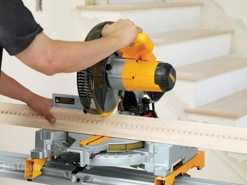 Máy cắt góc gỗ giả tiềm ẩn rất nhiều nguy hại khó lường