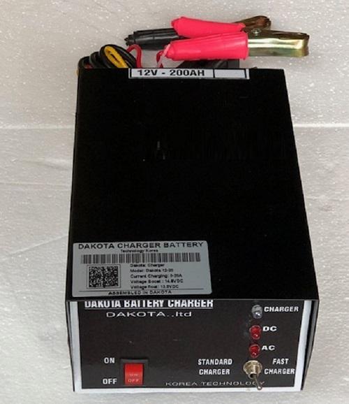 Máy nạp ắc quy tự động DAKOTA 10A 12V – 100Ah